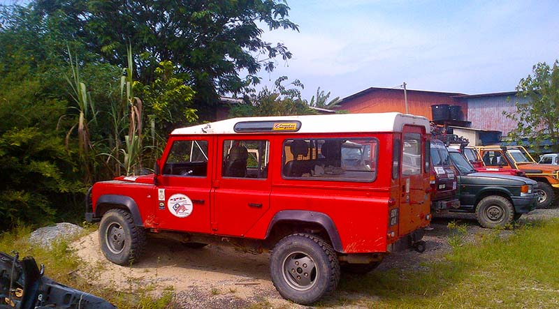 Our shop specialize on Land Rover.